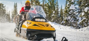Rent Your Snowmobiles for a Minnesota Winter Adventure