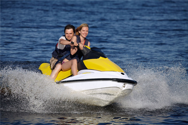 The Best Lakes in Minnesota to Jet Ski