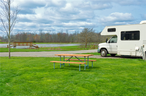 "3 Things We Learned About RV Rental Care From The Movie ""RV"""