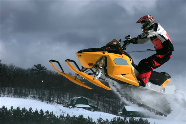 Snowmobile Rental Safety Tips