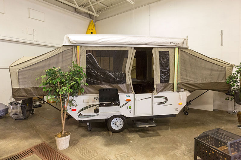 Pop-up Trailer Exterior